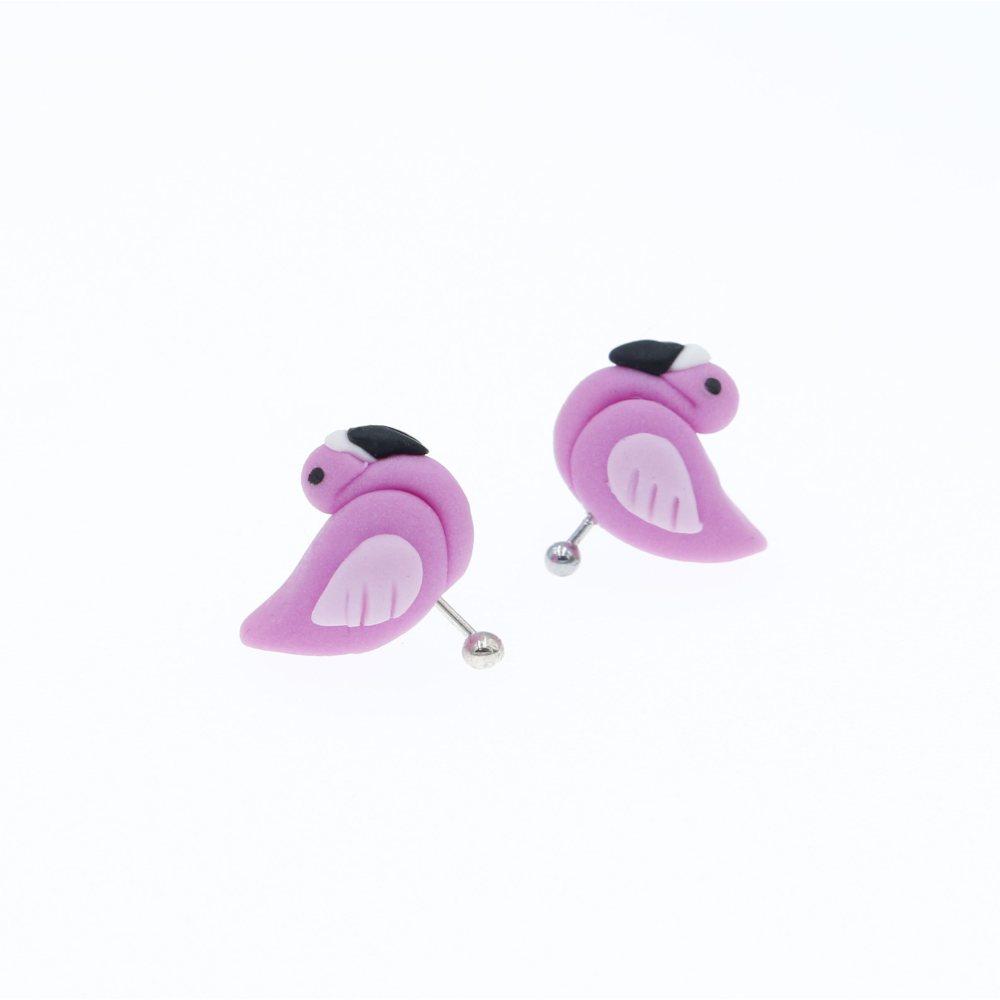 Flamingi zwierzątka ptaki sztyfty